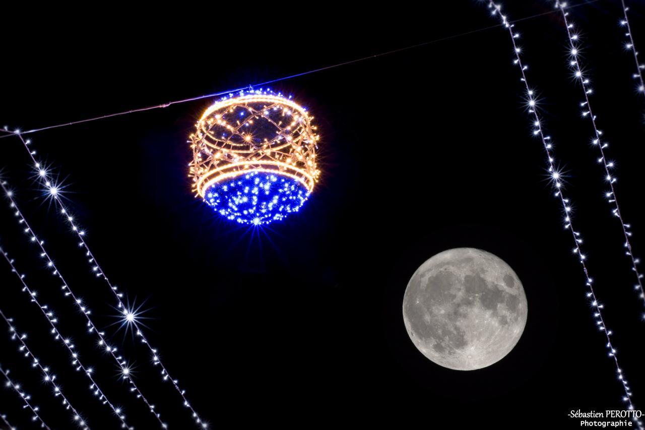 Le soleil à RDV avec la Lune...